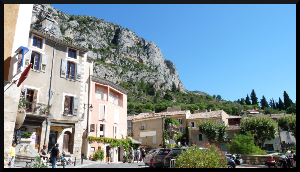 Le var enchante ep iv moustiers sainte marie et - Office tourisme moustiers sainte marie ...