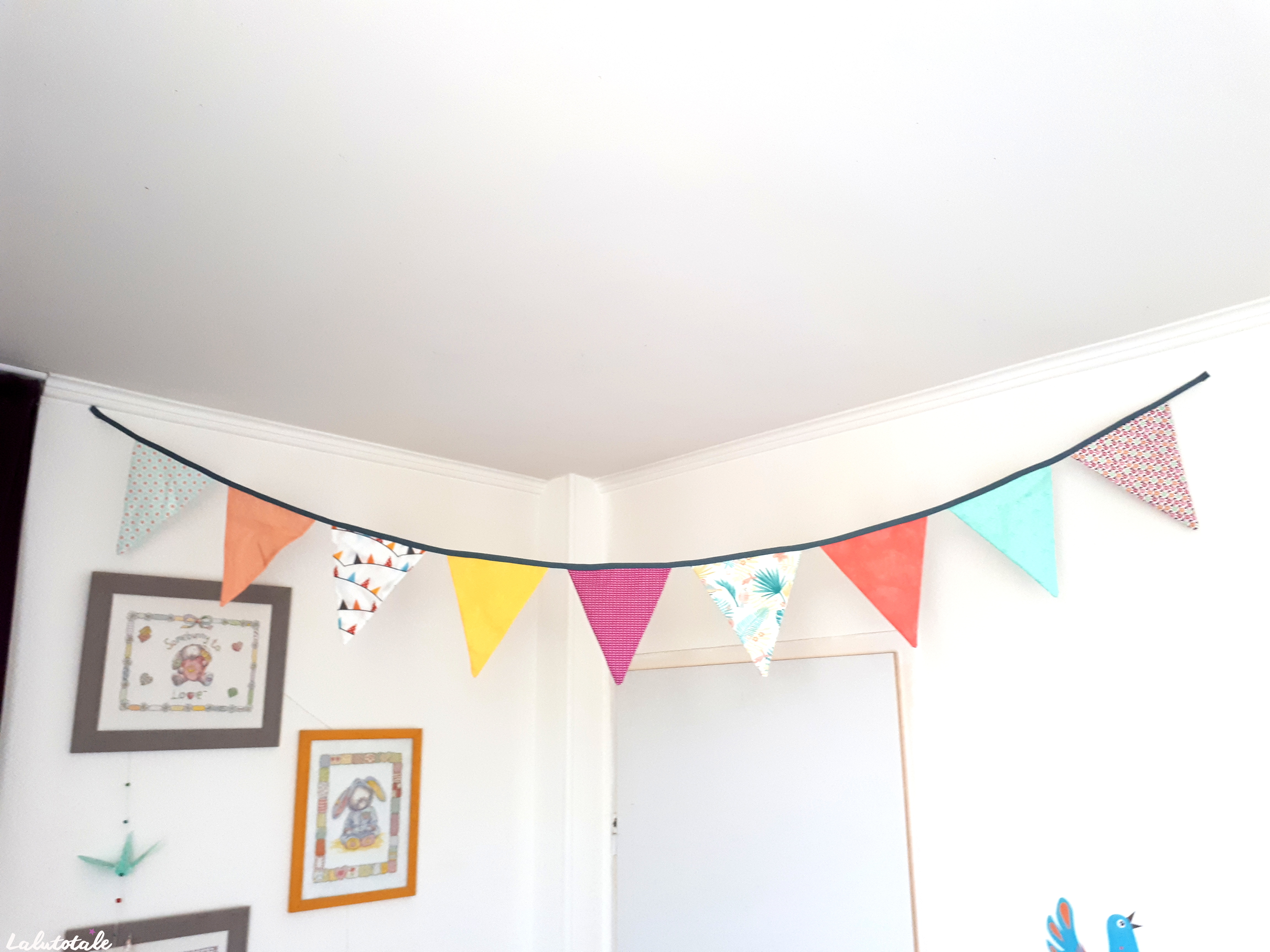 ( DIY ) Mon premier tuto couture : la guirlande de fanions !