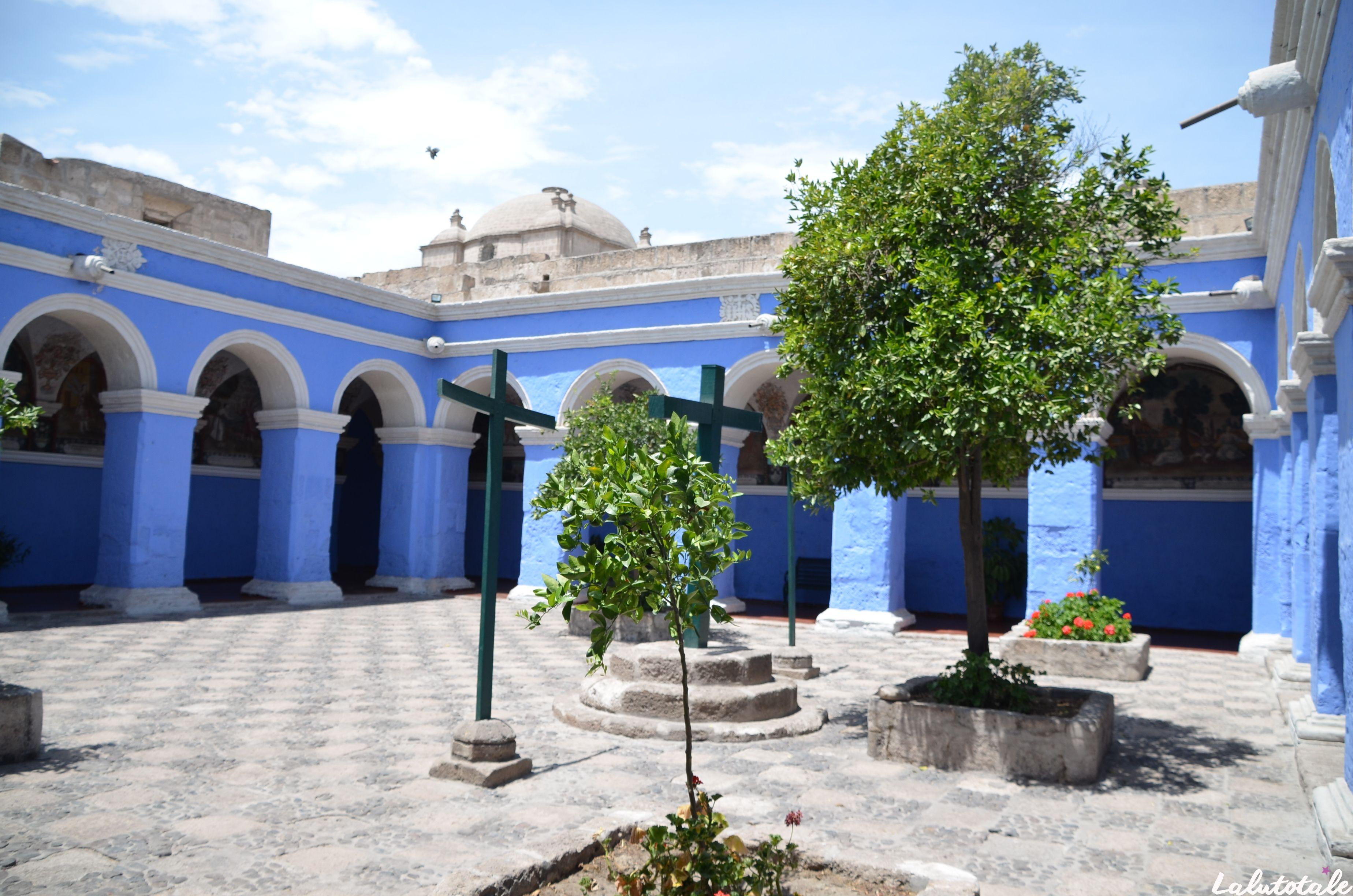 ( PÉROU Jour 4 ) Arequipa, baby alpaca, short de pyjama et Santa Catalina.