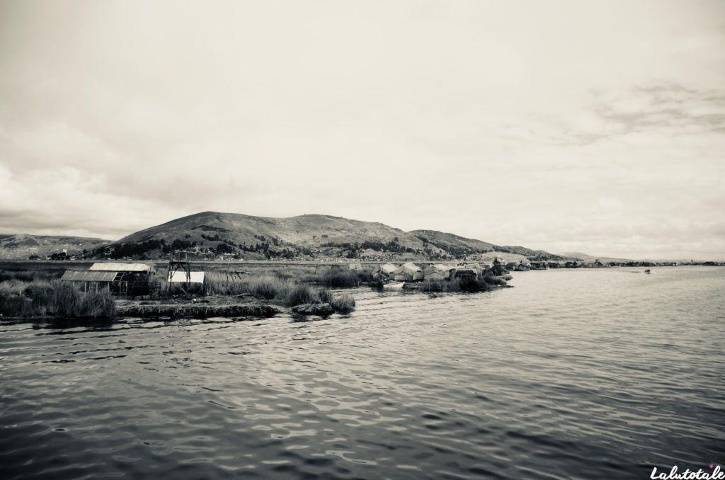 Titicaca lac Uros vue îles flottantes